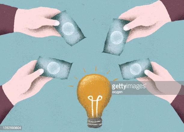 crowdfunding concept investment into idea or business startup - sponsra bildbanksfoton och bilder
