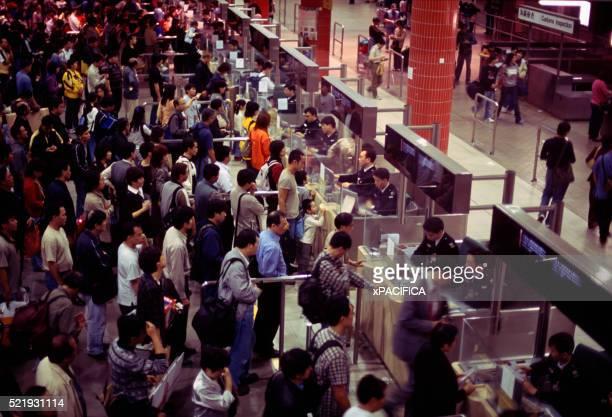 Crowds at Hong Kong Border Crossing
