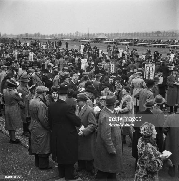 Crowds at Lincoln Racecourse in England during World War II March 1941