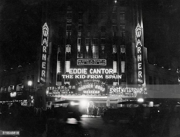 Crowds at the West Coast premiere of Eddie Cantor's The Kid from Spain at the Warner Brothers' Western Theater, on the corner of Wilshire and Western...