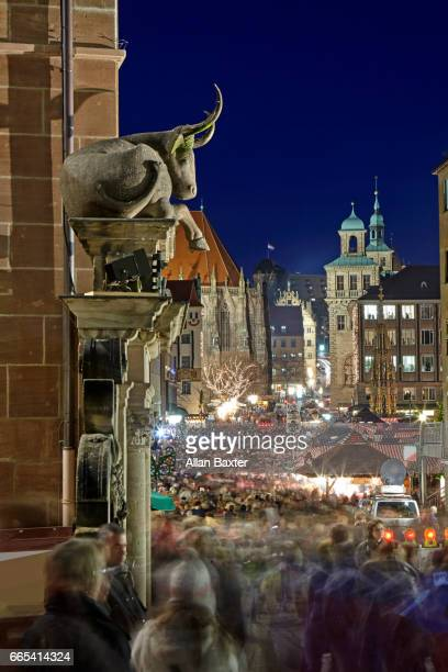 Crowds bustling along the medieval Dresden at night