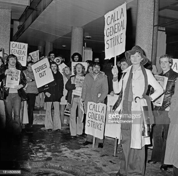 Crowds calling for a general strike outside Congress House, the headquarters of the TUC on Great Russell Street in London, UK, 16th January 1974.