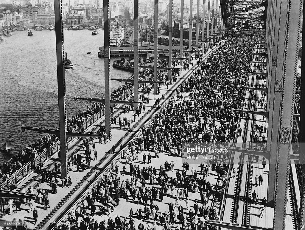 Opening of the Sydney Harbour Bridge : News Photo