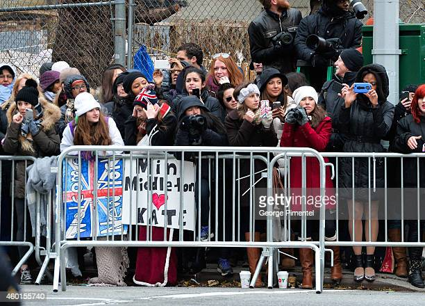 Crowds gather to view Catherine Duchess of Cambridge and New York City Mayor Bill de Blasio's wife Chirlane McCray at Northside Center for Child...