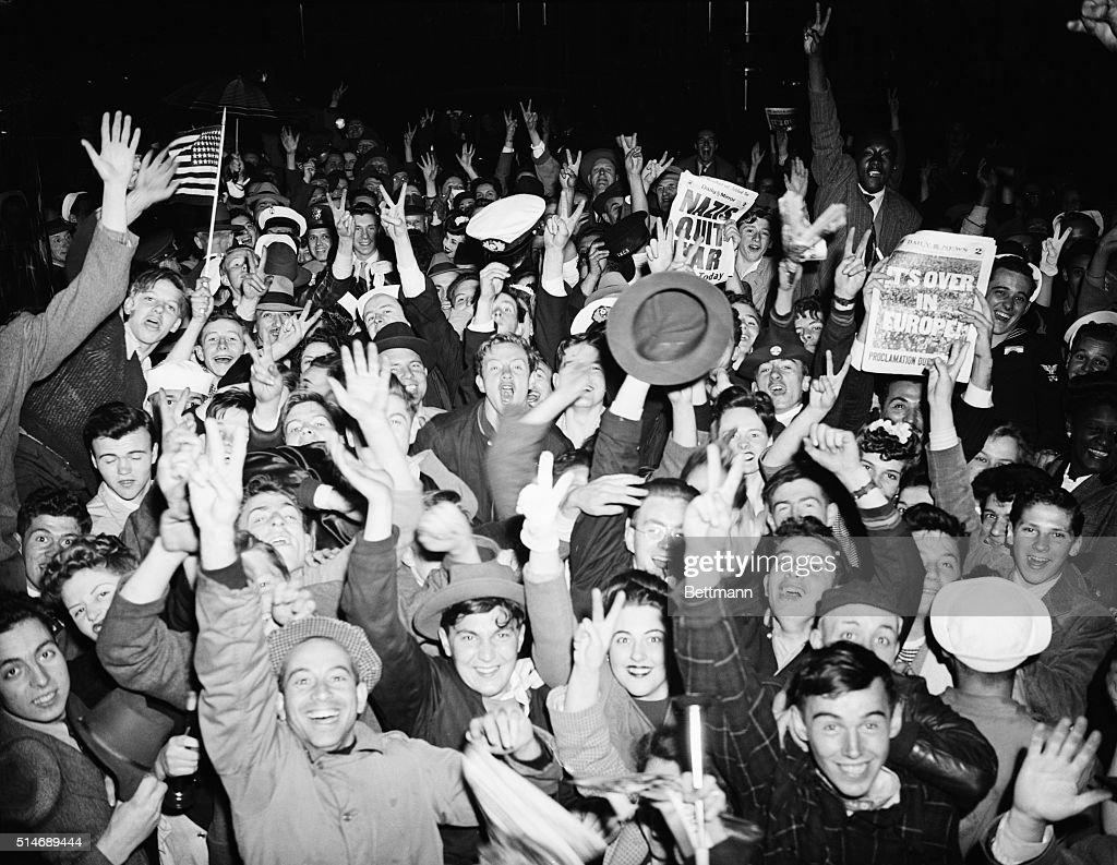 New York Celebrates VE Day : News Photo