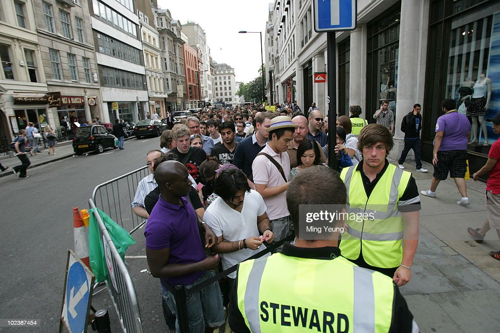 Crowds Of Consumers Queue For The IPhone 4 On Launch Day In Oxford Street June