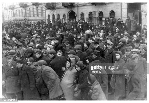 Crowds of Jews in the Warsaw ghetto, Poland 1942.