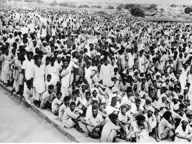 Crowds of refugees gathered in Delhi having fled the Punjab riots