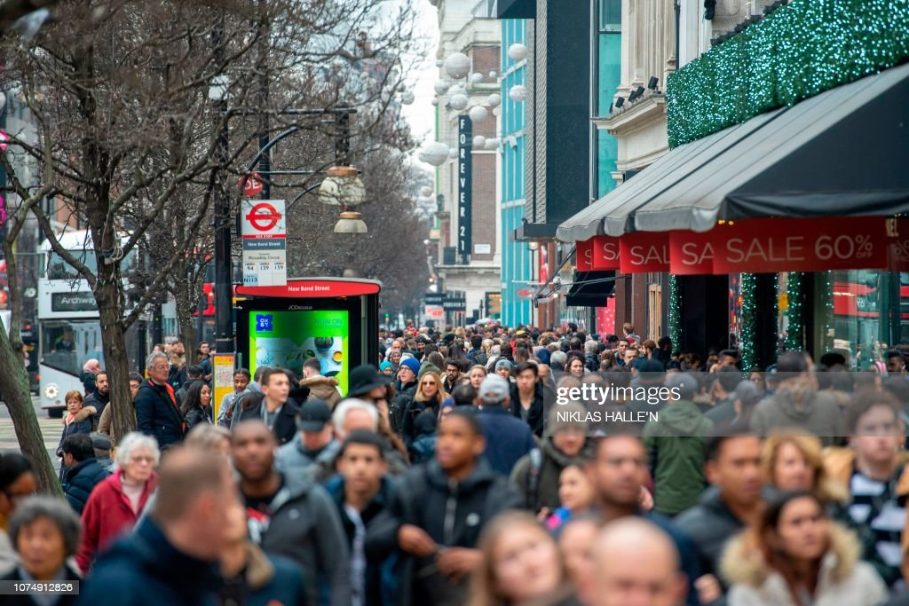 BRITAIN-RETAIL-SALES-BOXING DAY : News Photo