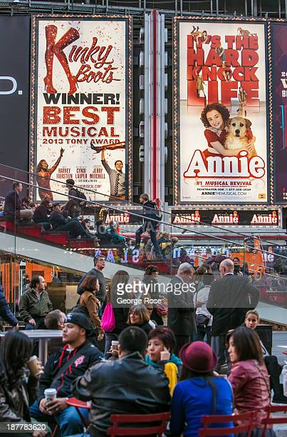 Crowds of tourists jam Broadway and 7th Avenue in Times Square on October 23 2013 in New York City With a full schedule of conventions and major...