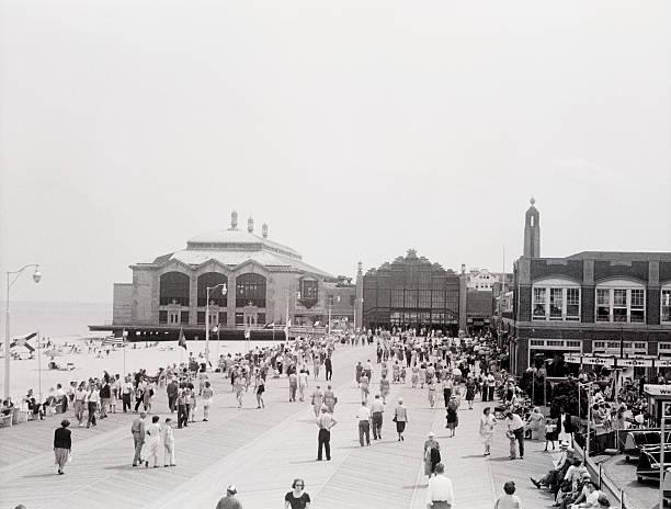 Crowds on esplanade