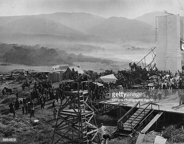 Crowds on one of the big sets for Erich von Stroheim's film 'Foolish Wives' at Universal Studios California
