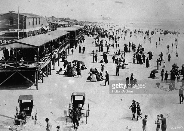 Crowds on the beach at Atlantic City