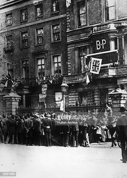 Crowds outside the home of Robert Stephenson Smyth BadenPowell created 1st Baron BadenPowell celebrating the relief of Mafeking The town was besieged...