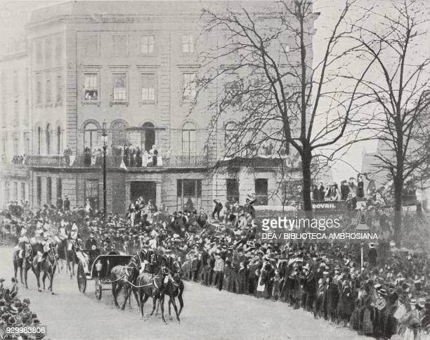 Crowds saluting Queen Victoria on the streets of London United Kingdom from L'Illustrazione Italiana Year XXVII No 13 April 1 1900