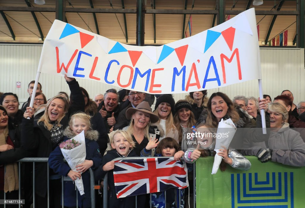 Crowds wait for Queen Elizabeth II to arrive at Hull Railway Station, during a visit to the city to mark its year as the UK City of Culture on November 16, 2017, in Kingston Upon Hull, England.