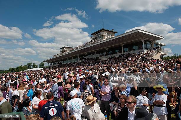 Crowds watch Prix De Diane Longines at Hippodrome de Chantilly on June 17 2012 in Chantilly France