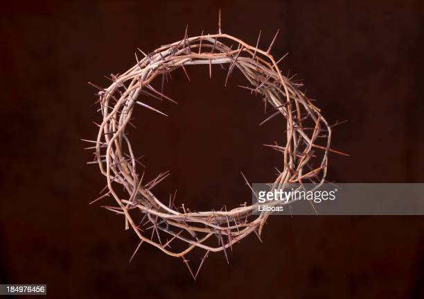 crown of thorns - happy easter jesus stock pictures, royalty-free photos & images