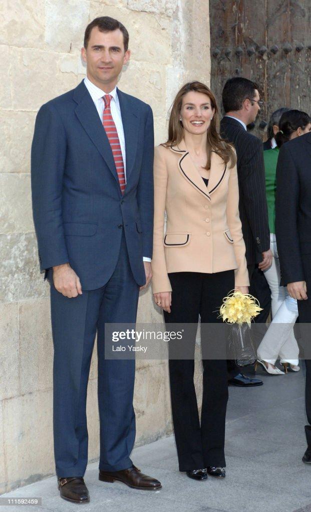 Crown Prince Felipe and Crown Princess Letizia Visit Alicante Province - March 28, 2006 : Fotografía de noticias