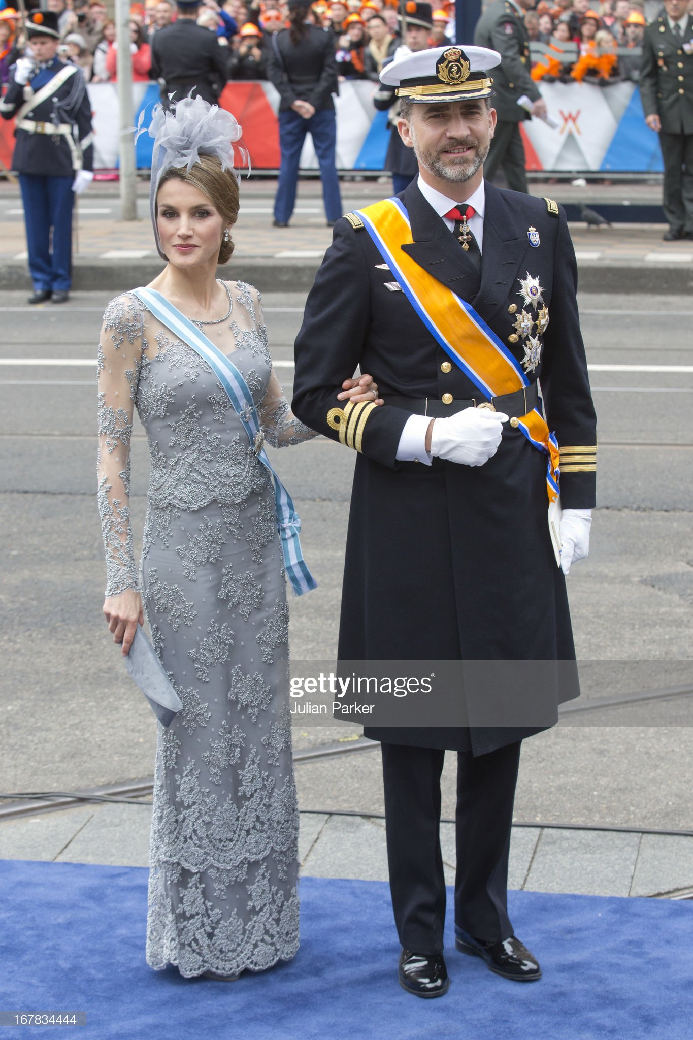 The Inauguration Of King Willem Alexander As Queen Beatrix Of The Netherlands Abdicates : News Photo