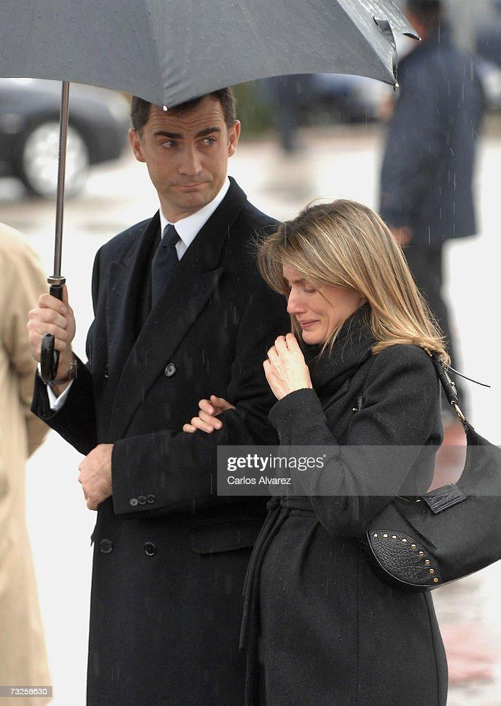 Spanish Royals Attend The Funeral Of Erika Ortiz : Fotografía de noticias