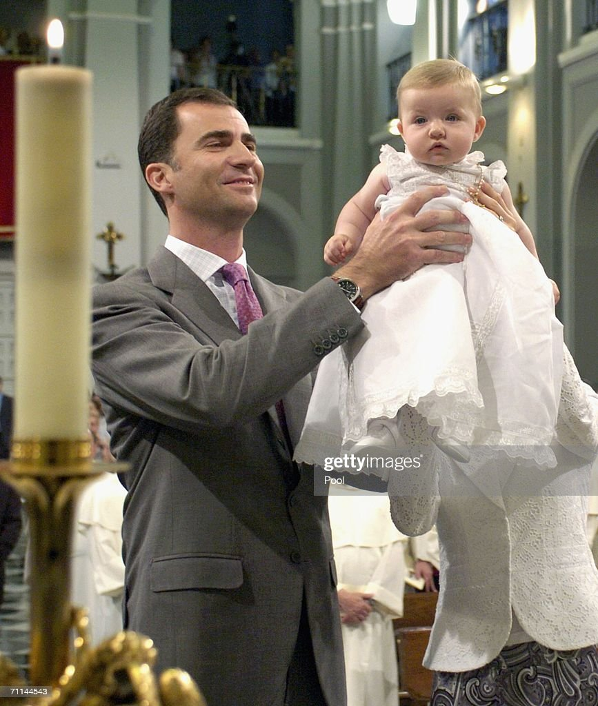 Crown Prince Felipe and Princess Letizia Of Spain Present Their ...