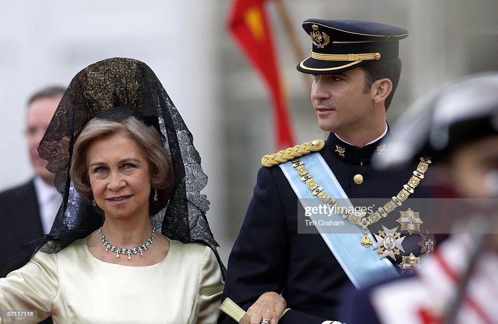 Spain Headdress