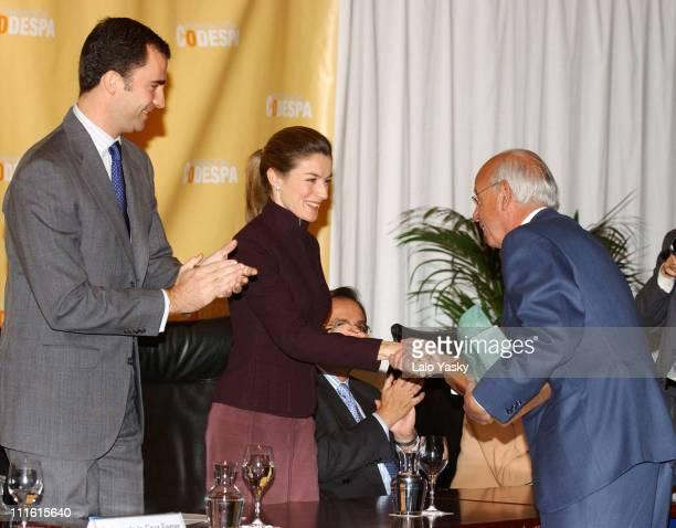 Crown Prince Felipe Princess Letizia and the Vice President of Banco Santander
