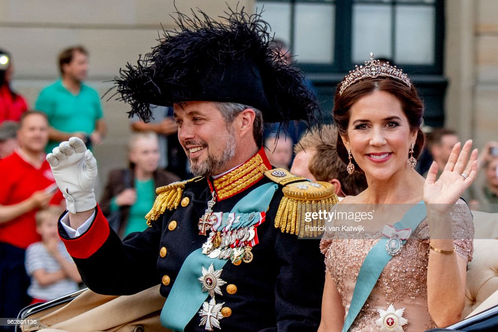 Crown Prince Frederik of Denmark Holds Gala Banquet At Christiansborg Palace : News Photo