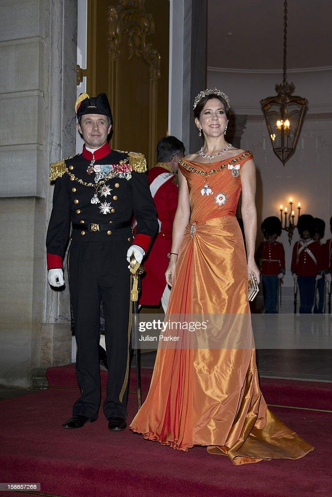 Queen Margrethe Hosts New Year's Banquet : News Photo