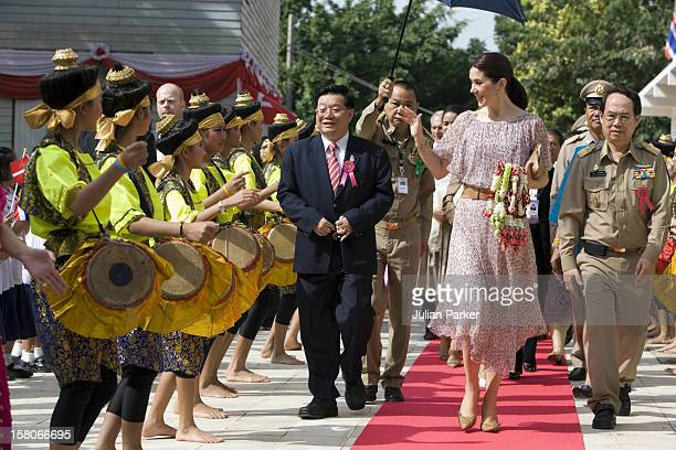 Crown Prince Frederik And Crown Princess Mary Of Denmark On A Four Day Official Visit To Thailand Crown Princess Mary Visits The 'Wat Chinna Wararan...