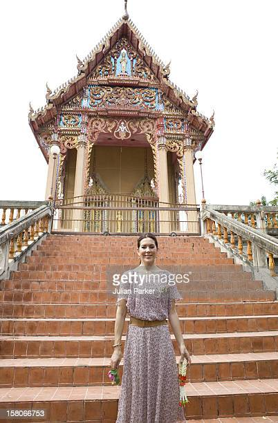 Crown Prince Frederik And Crown Princess Mary Of Denmark On A Four Day Official Visit To Thailand Crown Princess Mary Visits The Temple At Wat Hong...