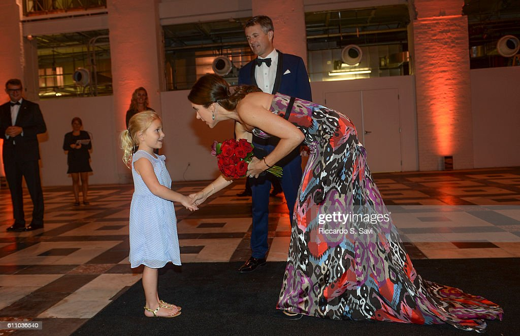 HRH Crown Prince Frederik and HRH Princess Mary of Denmark, speak to 4 years old Dagmar Moelier at the Smithsonian's Arts and Industry building for a Gala Ball, to celebrate the U.S. Denmark Trade Mission on September 28, 2016 in Washington, DC.
