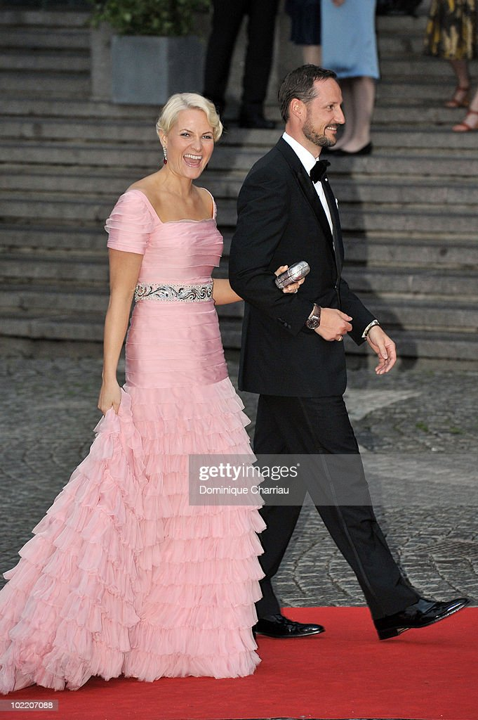 Crown Princess Victoria And Daniel Westling Wedding - Gala Performance - Arrivals : News Photo