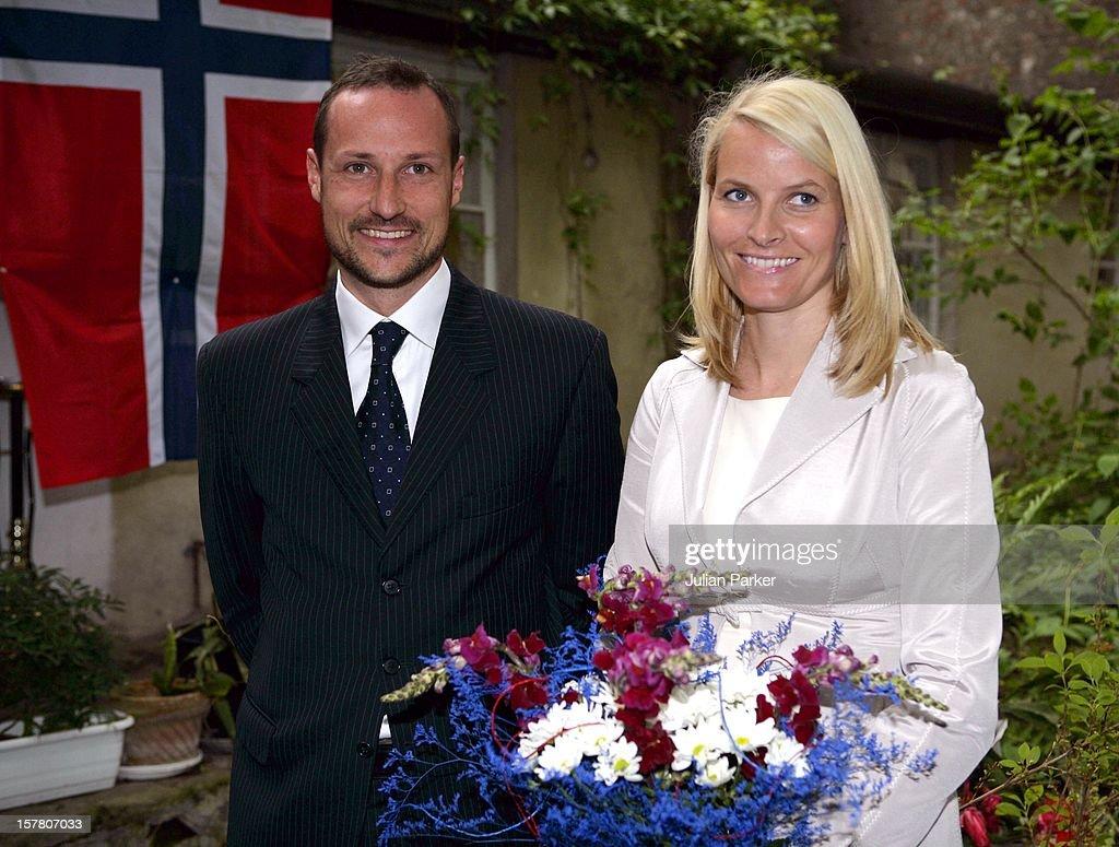 Crown Prince Haakon & Crown Princess Mette-Marit Visit Poland : Nachrichtenfoto