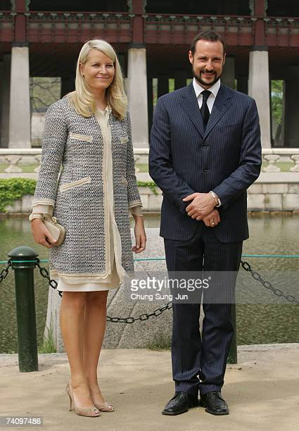 Crown Prince Haakon of Norway and Crown Princess Mette Marit poses during a visit to the Gyeongbok palace of the Joseon Dynasty on May 8, 2007 in...