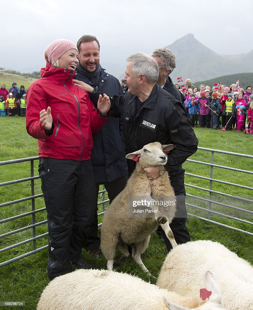 Crown Prince Haakon & Crown Princess Mette-Marit Make Official Visit to Nordland - Day 3 : News Photo