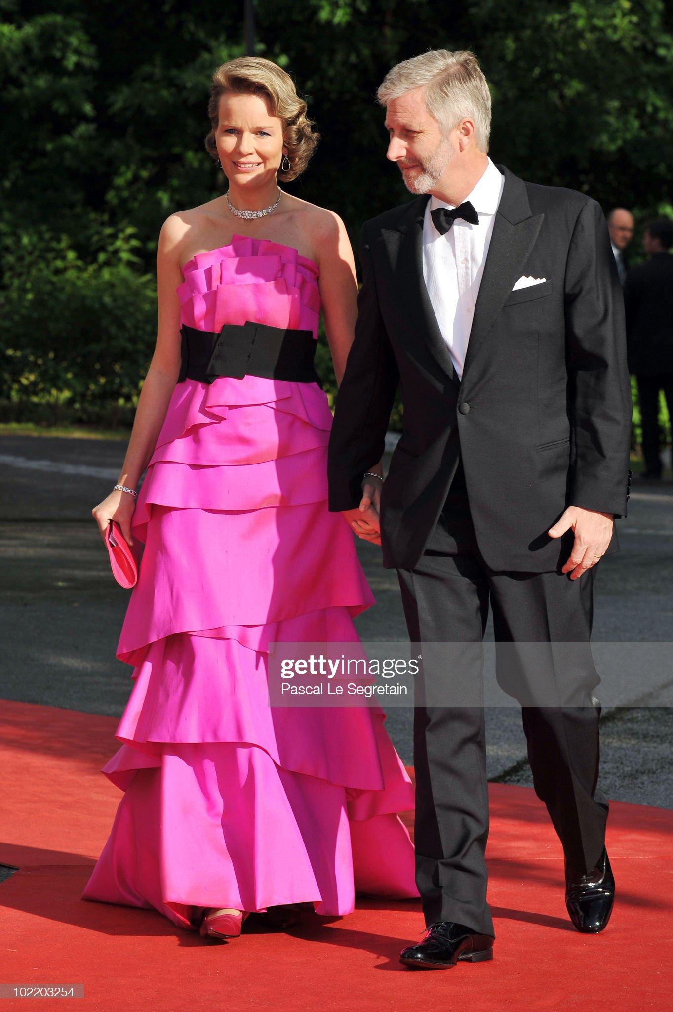 Вечерние наряды Королевы Матильды Crown Princess Victoria & Daniel Westling: Pre Wedding Dinner - Arrivals : News Photo