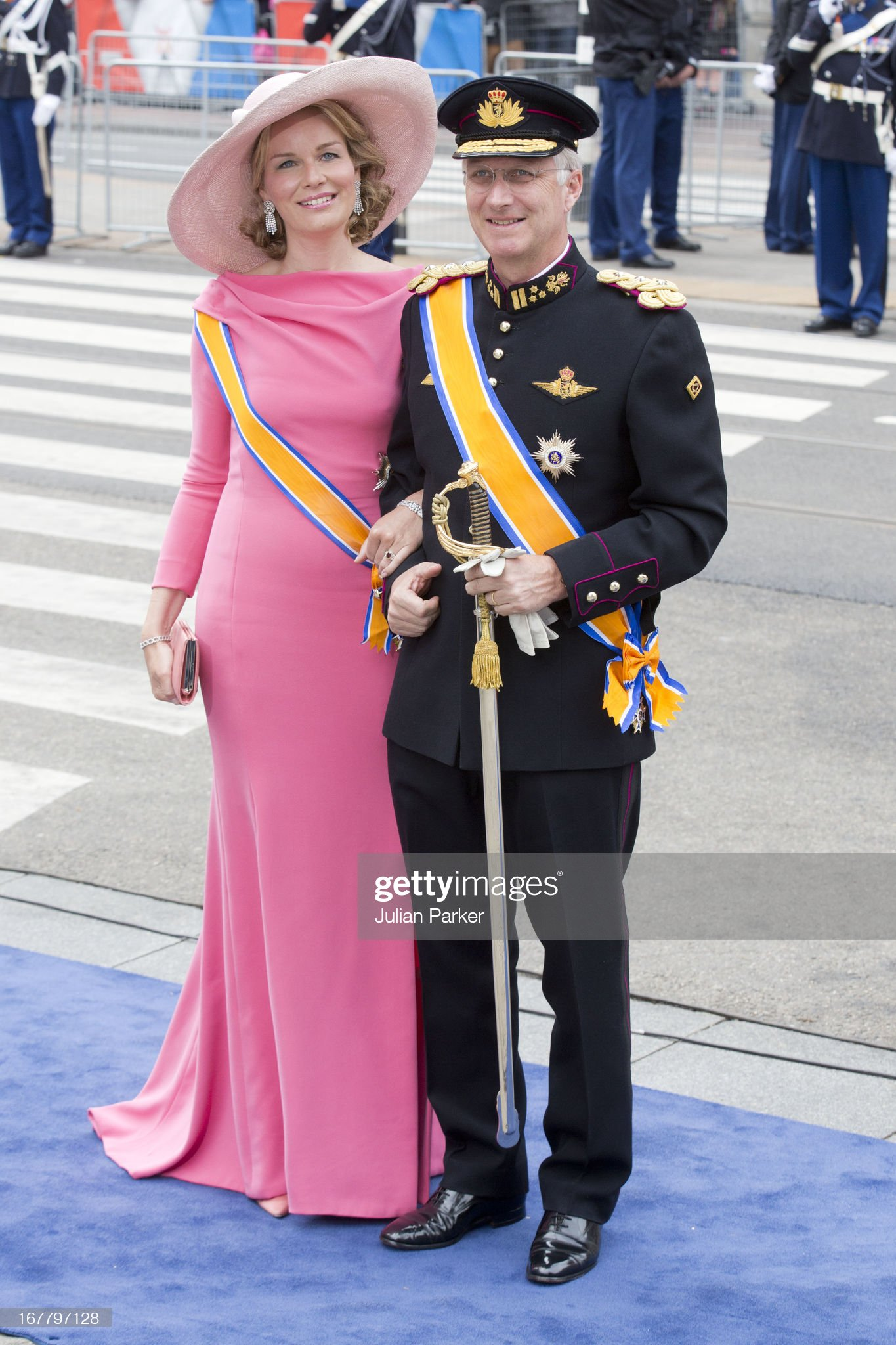 Вечерние наряды Королевы Матильды The Inauguration Of King Willem Alexander As Queen Beatrix Of The Netherlands Abdicates : News Photo
