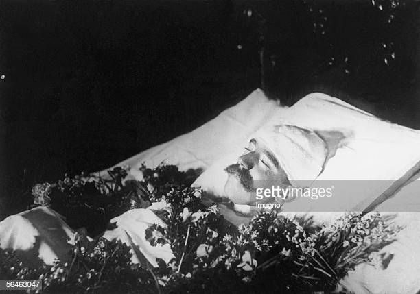Crown prince Rudolf on the deathbed Photography 1889 [Kronprinz Rudolf im Totenbett Photographie 1889]