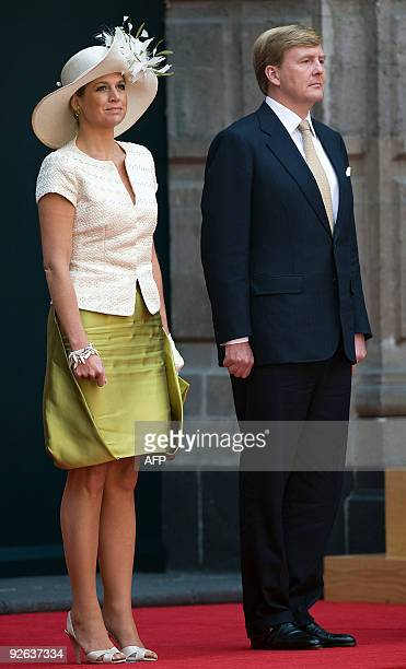 Crown Prince Willem-Alexander and Princess Maxima of the Netherlands attend a welcoming ceremony at the National Palace, in Mexico City, on November...