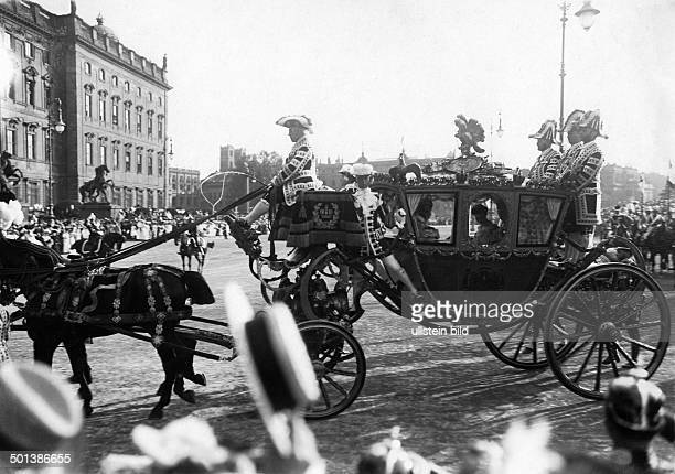 Crown Princess Cecilie of Prussia Wife of German Crown Prince Wilhelm, son of the German Emperor Wilhelm II. The wedding carriage with the Crown...