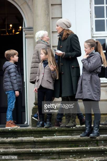 Crown Princess Mary and children during the yearly Hubertus Hunt at The Woodland Park 'Dyrehaven' on November 5 2017 in Klampenborg Denmark Some 160...