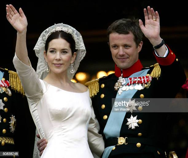 Crown Princess Mary and Crown Prince Frederik of Denmark wave from the balcony of Christian VII's Palace after their wedding on May 14 2004 in...
