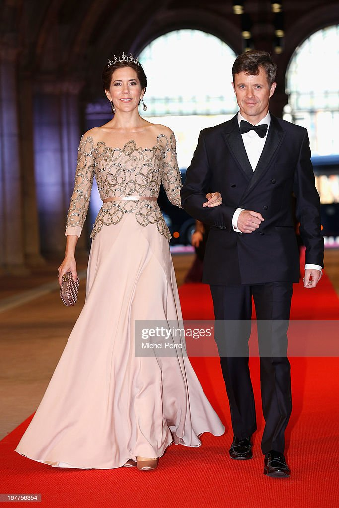 Crown Princess Mary of Denmark (L) and Crown Prince Frederik of Denmark (R) arrive at a dinner hosted by Queen Beatrix of The Netherlands ahead of her abdication at Rijksmuseum on April 29, 2013 in Amsterdam, Netherlands.