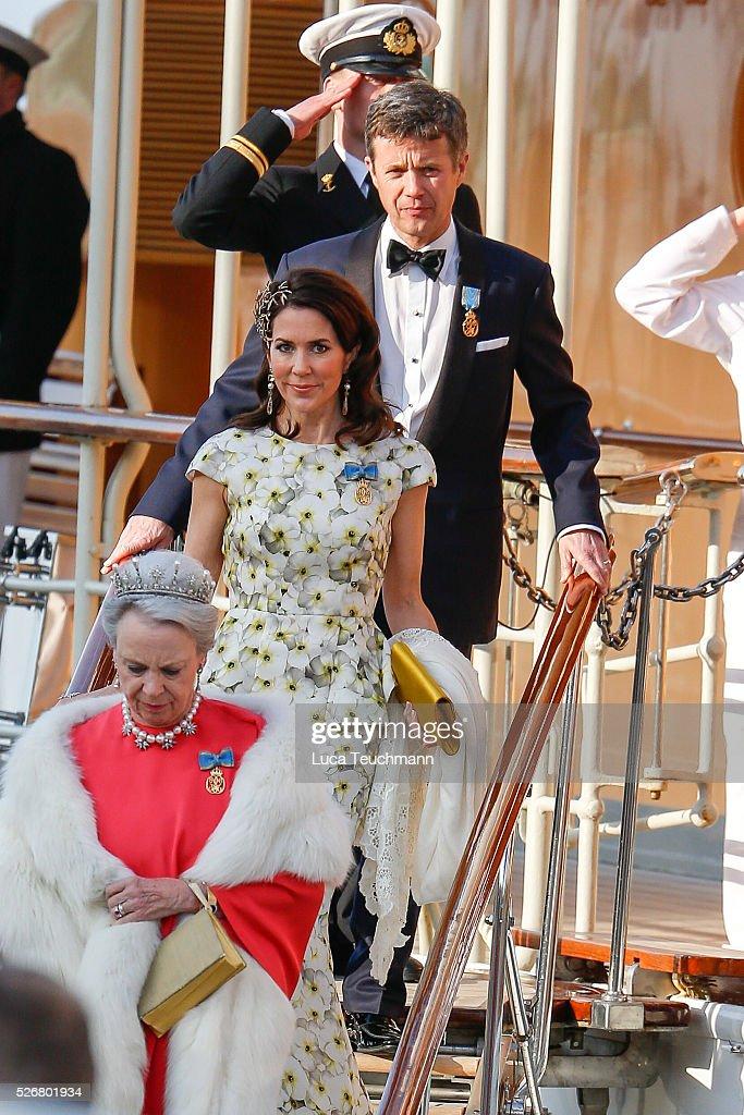 Hotel Departures - King Carl Gustaf of Sweden Celebrates His 70th Birthday : Foto di attualità