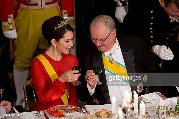 Crown Princess Mary of Denmark and Prince Henrik of Denmark attend a State Banquet at Fredensborg Palace on the first day of a State visit of the...