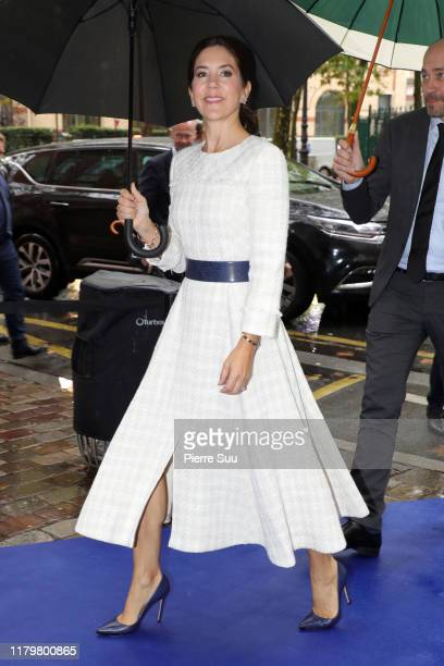 "Crown Princess Mary of Denmark arrives at ""Les Peupliers"" private hospital on October 8, 2019 in Paris, France."