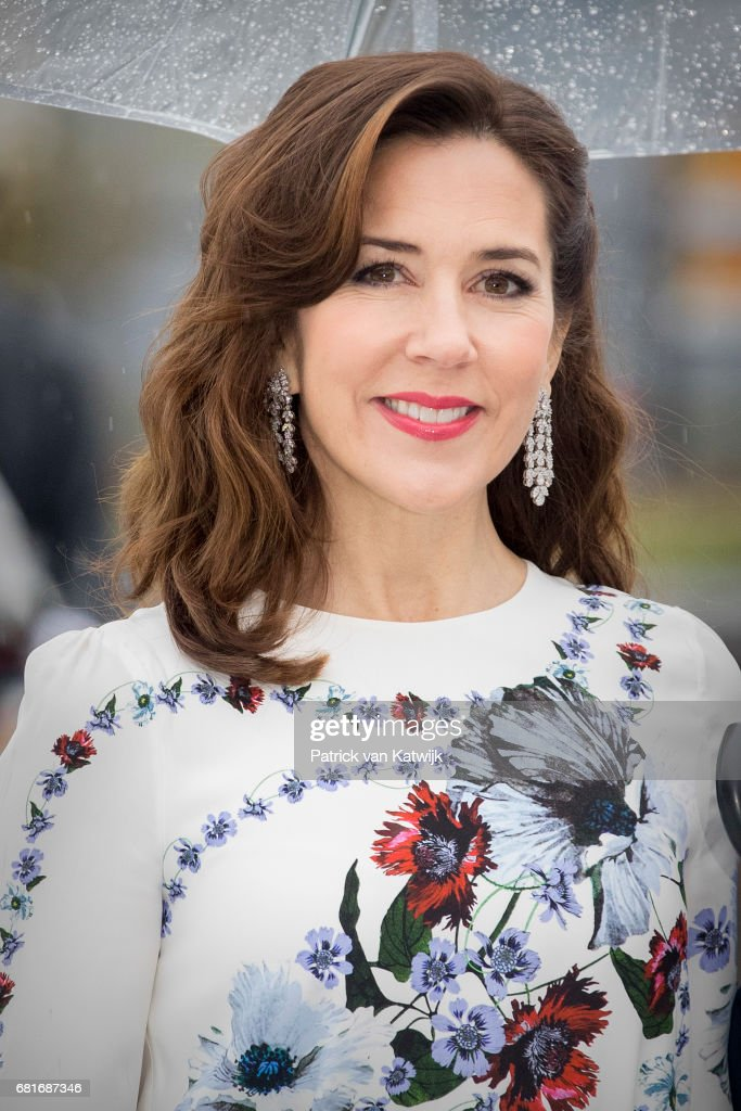 Crown Princess Mary of Denmark arrives at the Opera House on the ocassion of the celebration of King Harald and Queen Sonja of Norway 80th birthdays on May 10, 2017 in Oslo, Norway.