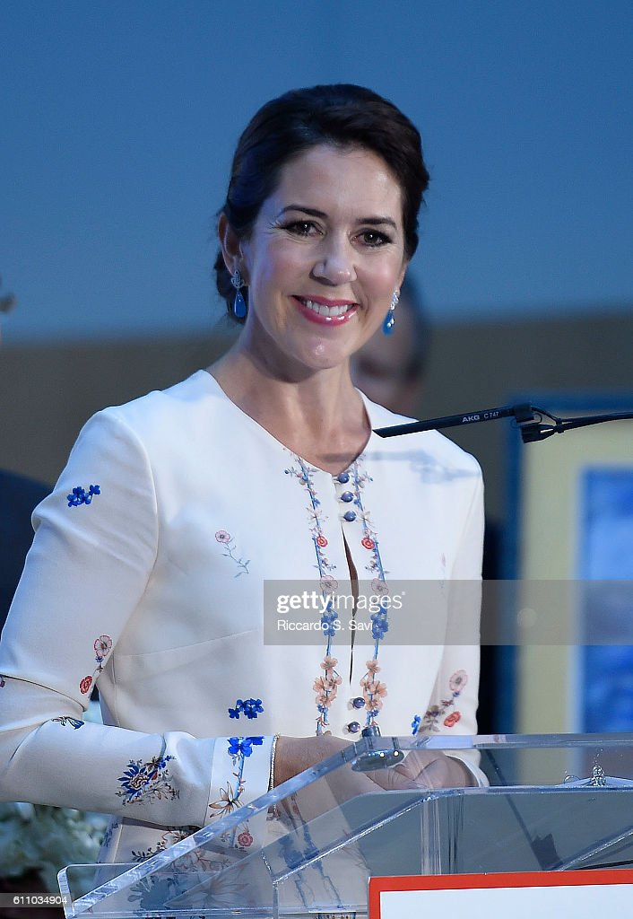 HRH Crown Princess Mary of Denmark speak during a visit to Children's National Medical Center on September 28, 2016 in Washington, DC.